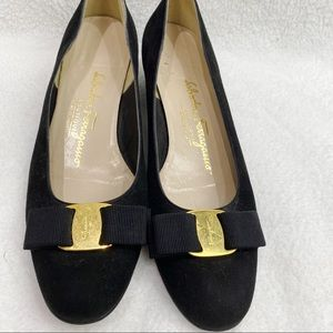 Salvatore Ferragamo Vara Bow low heeled pumps